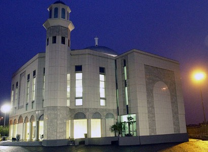 As Baitul Futuh Burns, the Bigotry of Some Muslims Towards Ahmaddiyas Comes Out