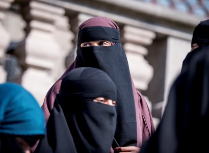 Danish parliament bans the wearing of face veils in public