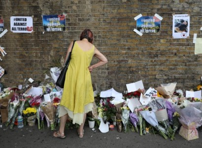 Londoners mark anniversary of mosque attack with minute's silence