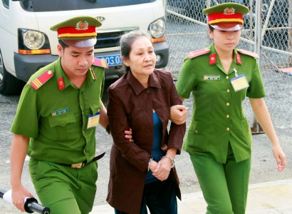 Vietnam: Two Vietnamese-Americans jailed for bomb attacks