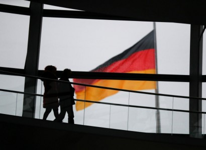 Germany's leaders look to blunt advance of extreme right following mass shooting