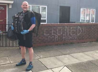 Teacher 'inundated with support' as he delivers free school meals on foot