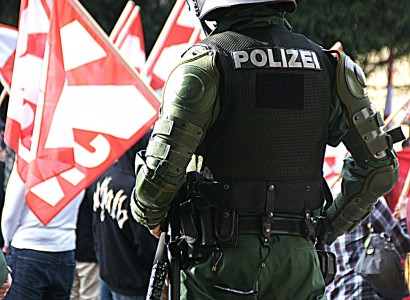 Austrian officials seize weapons destined for Germany's far-right