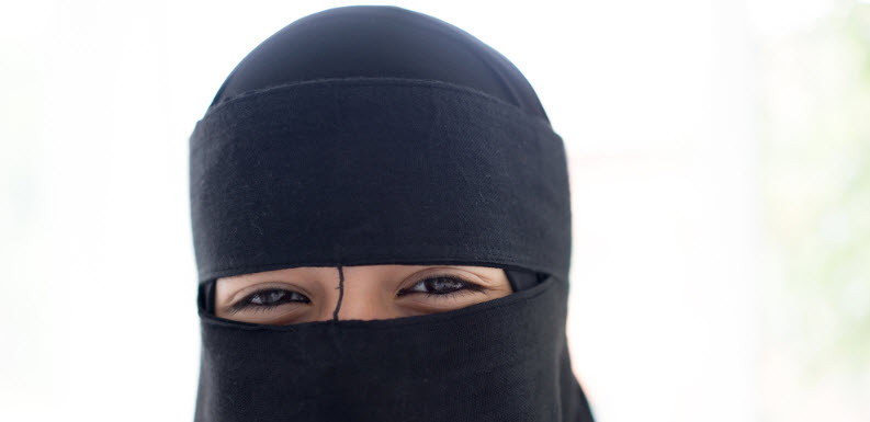 Beautiful Response from Young Niqabi Shows the Reality of Anti-Muslim Hate