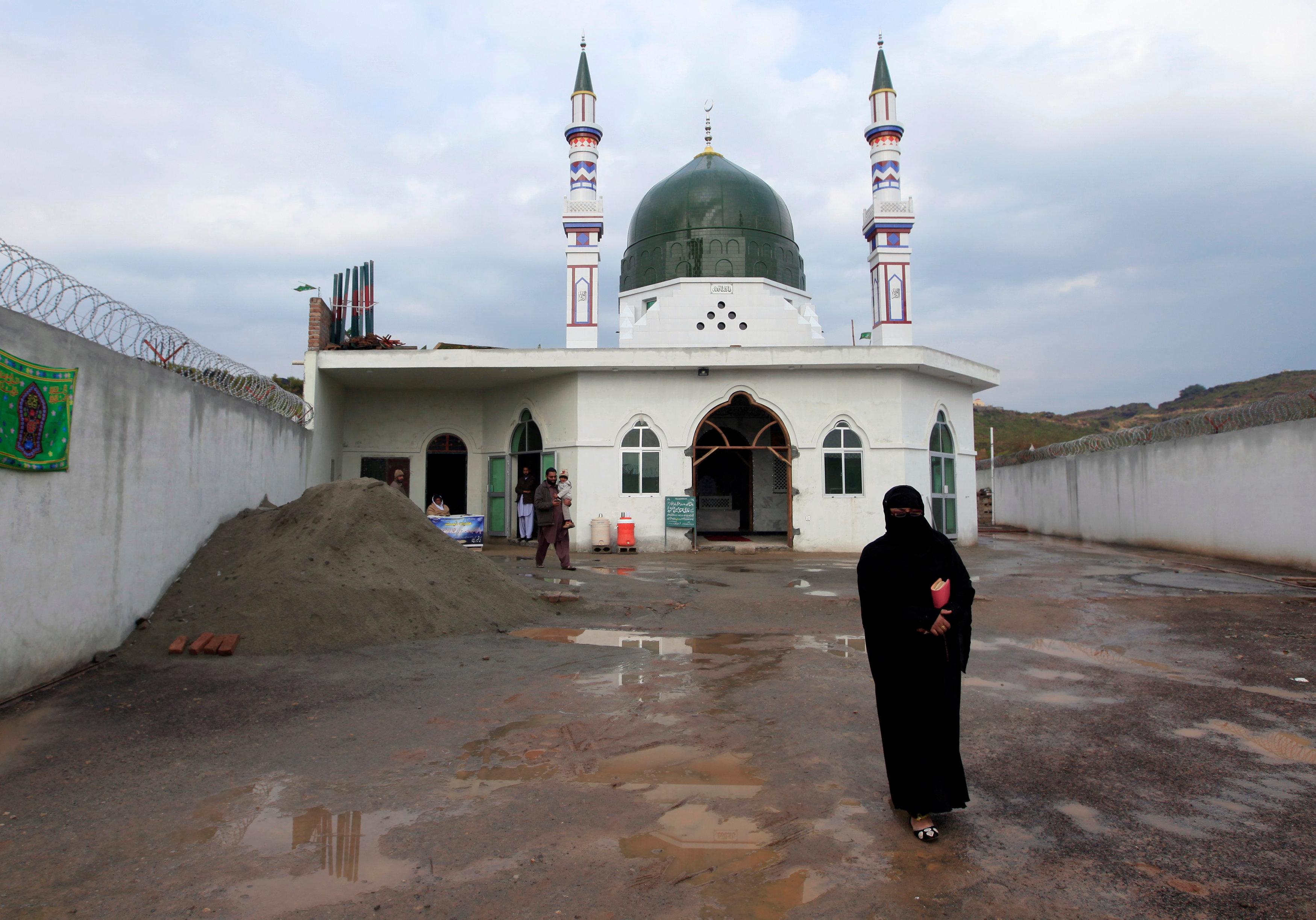 Pakistani women kill man accused of blasphemy a decade ago – police