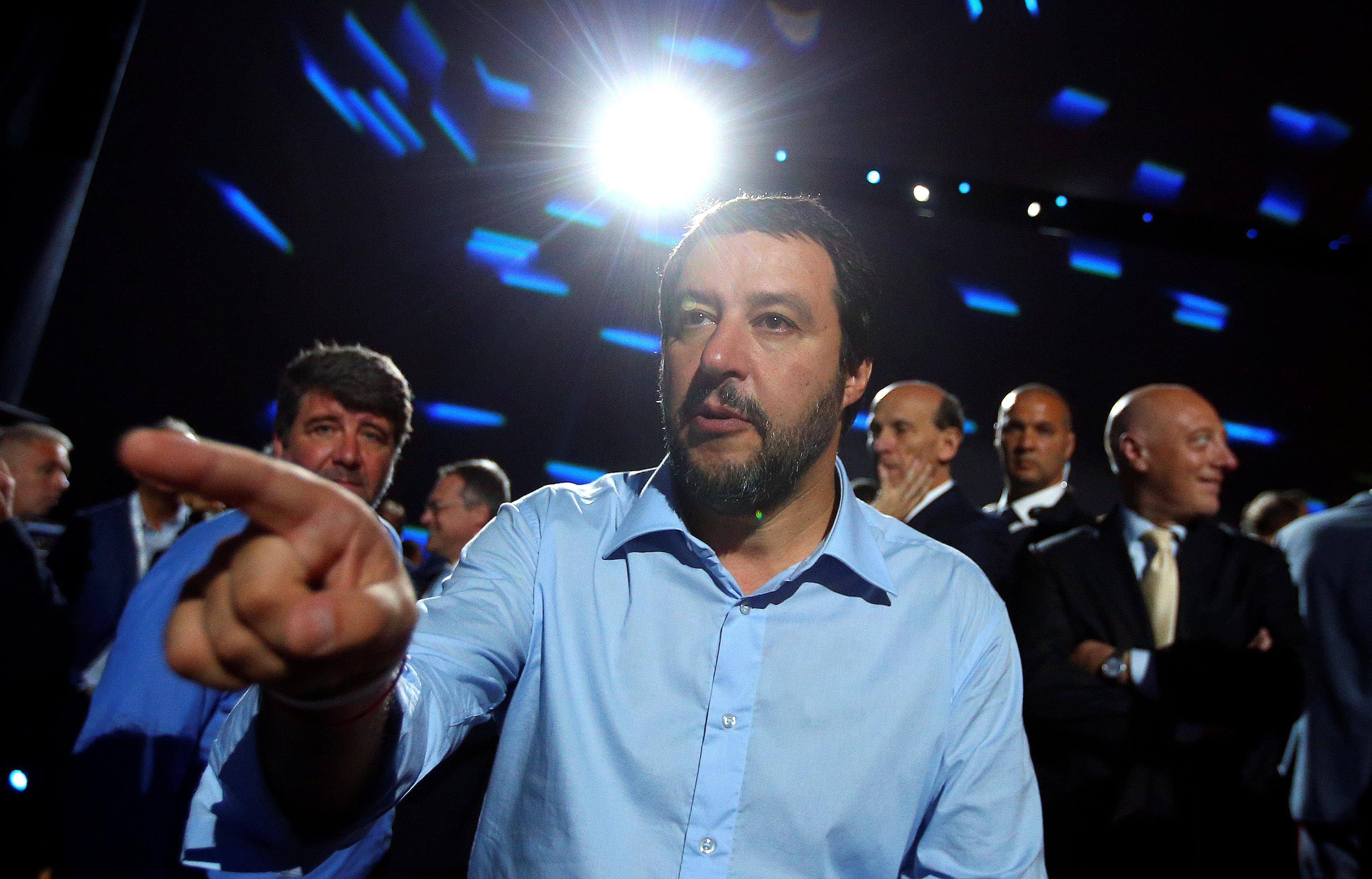 Italian interior minister wants census of Roma communities