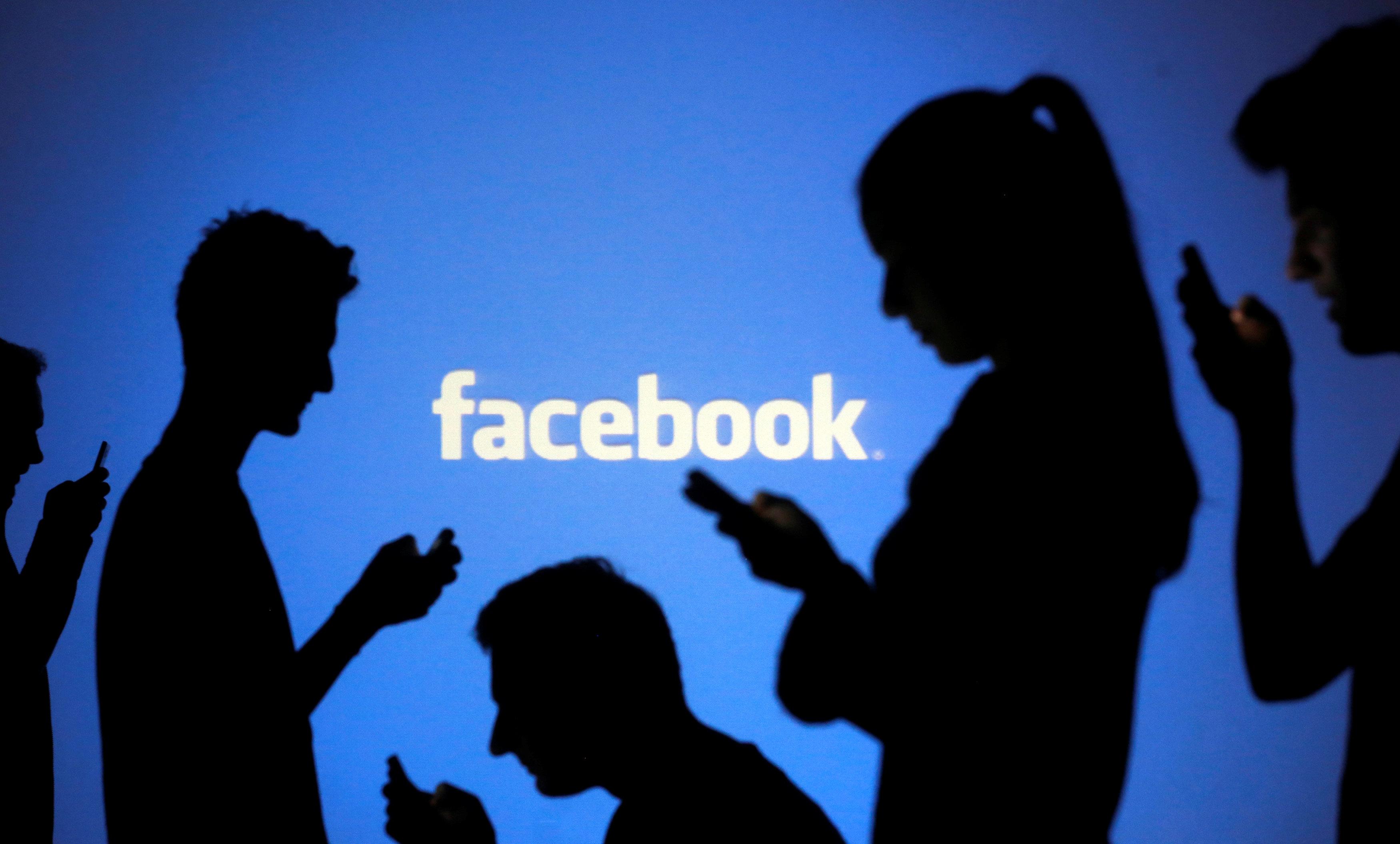 Facebook deletes hundreds of posts under German hate-speech law