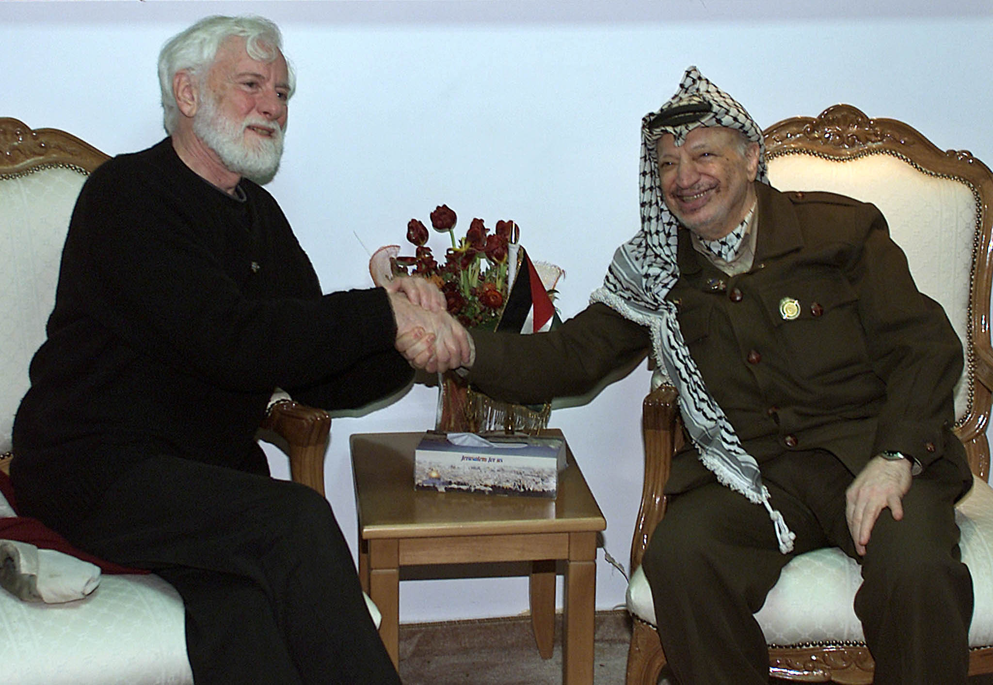 Israel: Uri Avnery, first Israeli to meet Arafat, dies at 94