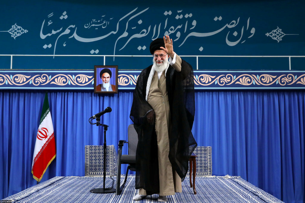 Iran: Khamenei says war unlikely but urges defence boost